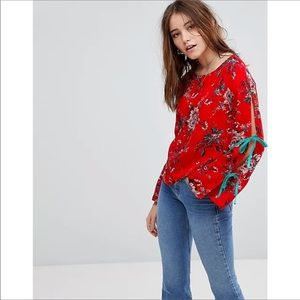 Glamorous Top With Wide Ribbon Tie Sleeves Floral